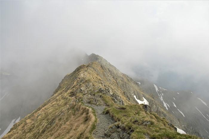 Spre Varful Moldoveanu prin Valea Rea